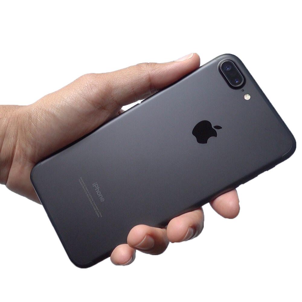 Чистка от пыли и грязи iPhone 7 Plus