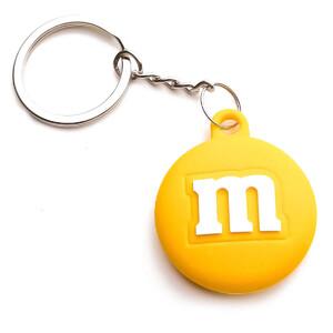 Купить Силиконовый брелок с кольцом iLoungeMax Funny Cartoon Case M&M's Yellow для AirTag