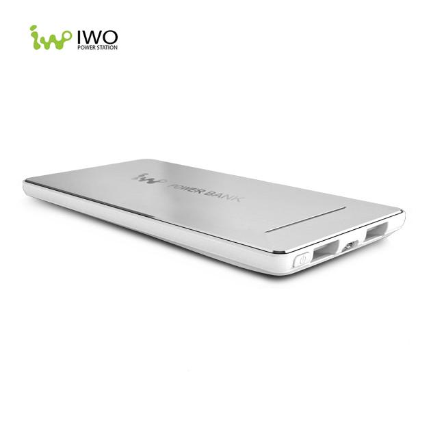 Ультра-тонкий внешний аккумулятор IWO