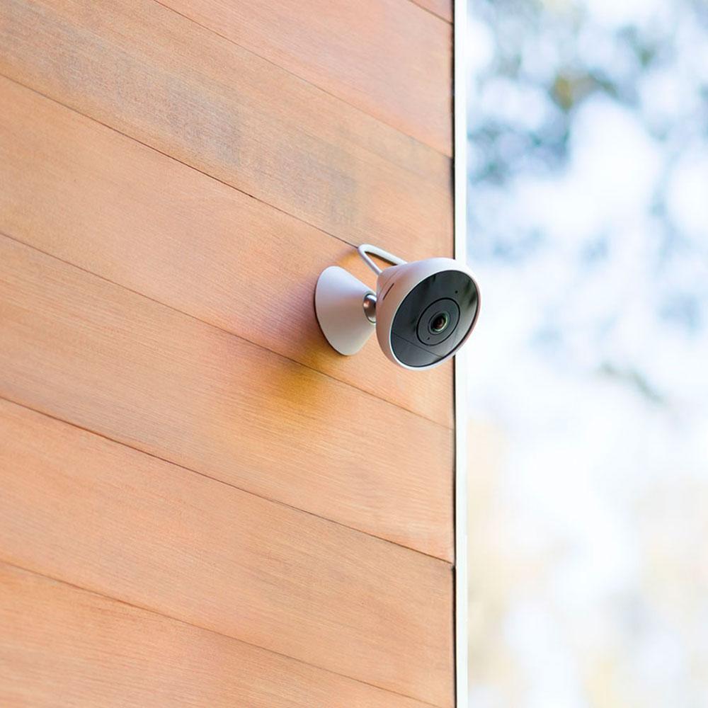 Умная камера видеонаблюдения Logitech