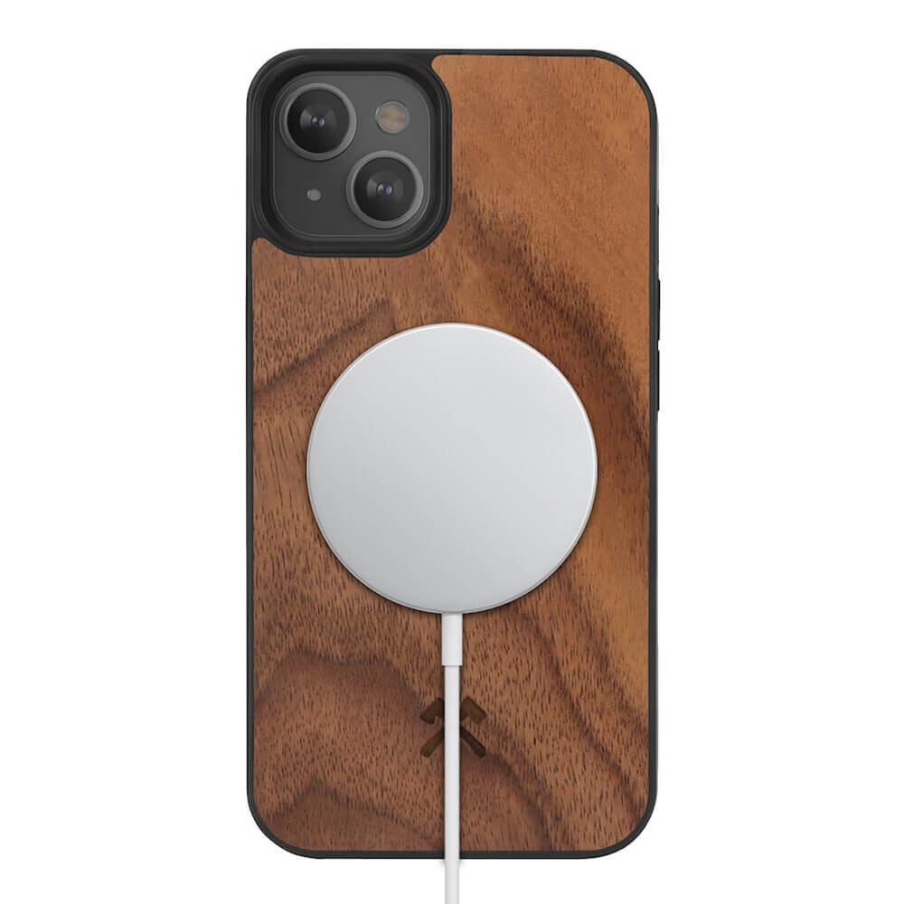 Деревянный чехол Woodcessories Bumper Case Walnut MagSafe для iPhone 13