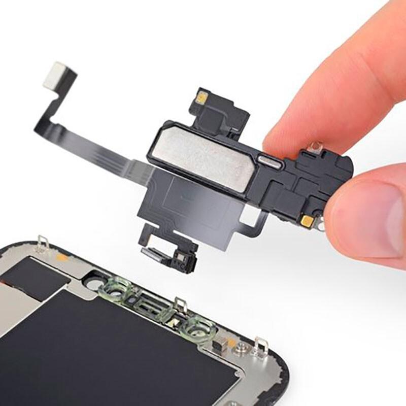 Замена датчика приближения iPhone XS Max