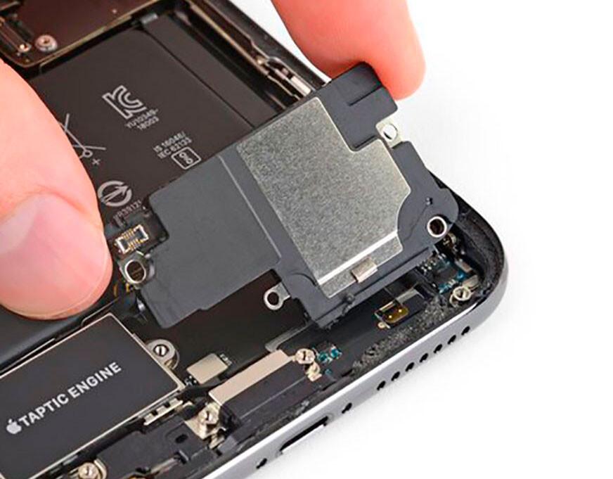 Замена полифонического (нижнего) динамика iPhone XS