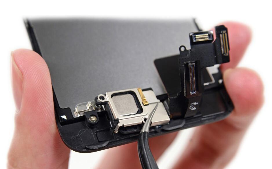 Замена сетки голосового (верхнего) динамика iPhone XR