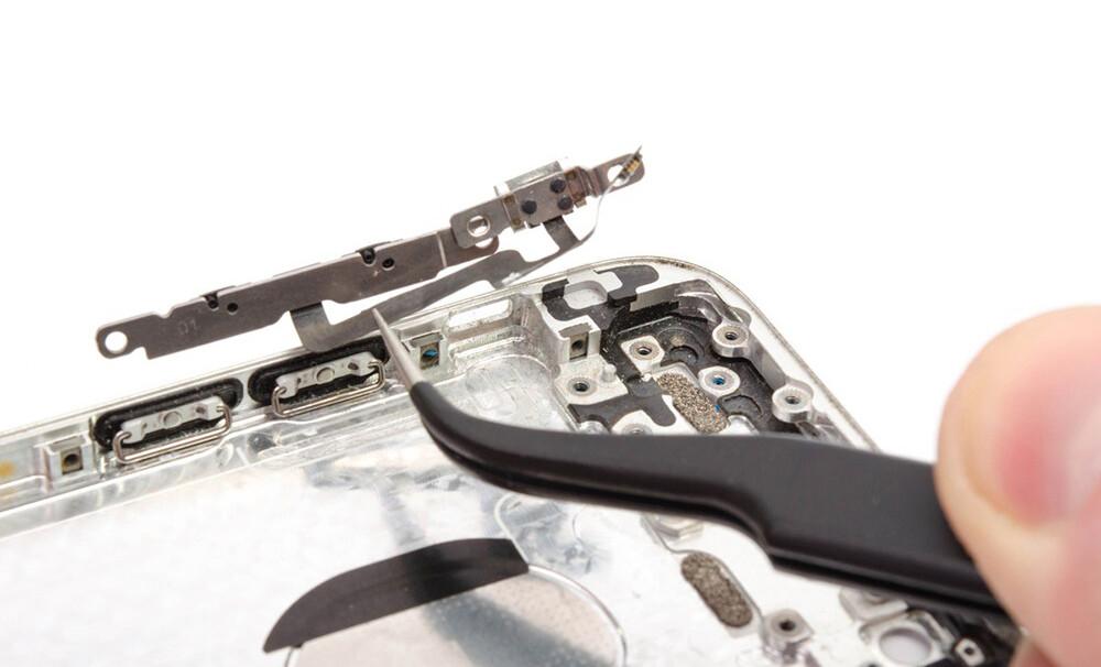Замена шлейфа кнопок громкости iPhone XR