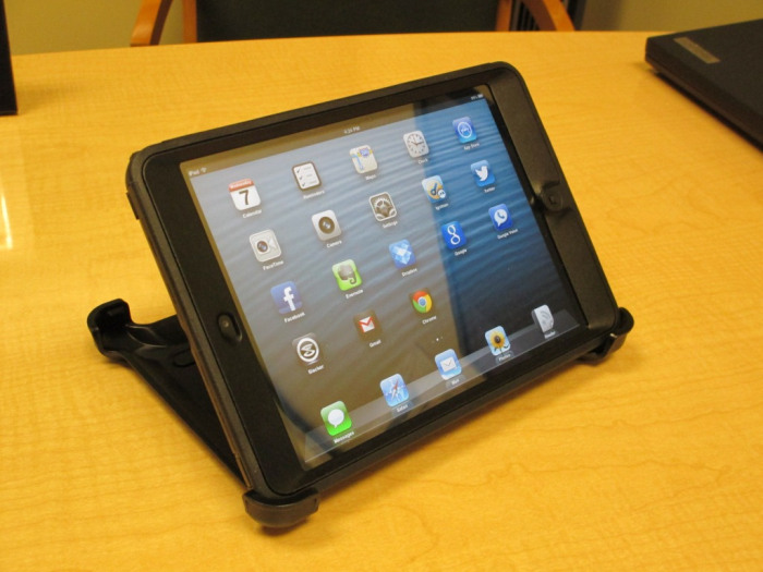 otterbox-defender-ipad-mini-7